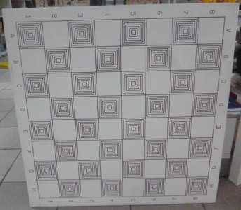 Шахматный стол белый с патиной 77х77х72 см