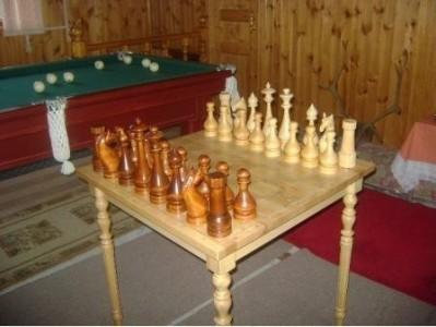 Шахматный стол лаковый без шахмат  77х77 см